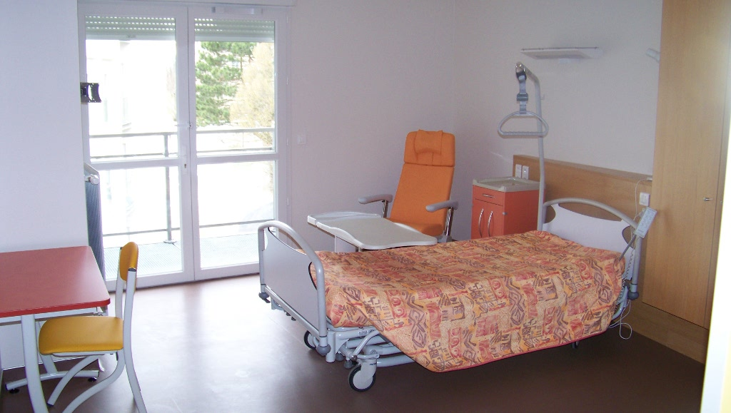 description des lieux de vie centre hospitalier de pont. Black Bedroom Furniture Sets. Home Design Ideas
